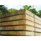 Słupki płotowe. drewniane kantówki strugane